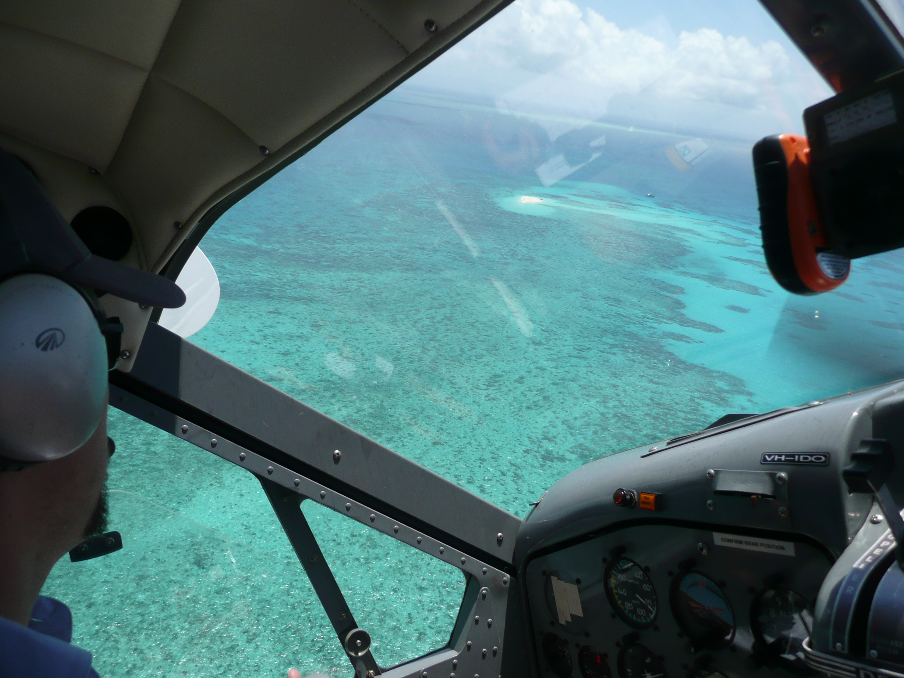 Scenic Flight From Cairns to Green Island
